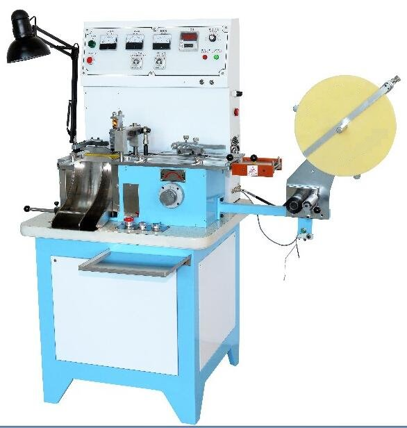 AD-9000 WOVEN LABEL CUTTER